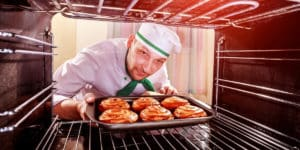 can a cast iron pan go in the oven